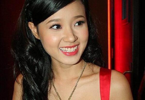 Hot girl Midu cùng vẻ đẹp trong trẻo, nụ cười dễ mến