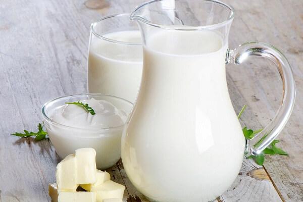 Kết quả hình ảnh cho uống sữa tươi