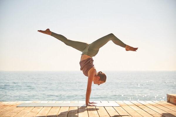Bật mí 5 tác dụng của tập yoga với phụ nữ