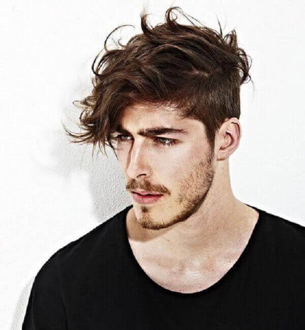Kiểu tóc rối cạo 2 bên mai