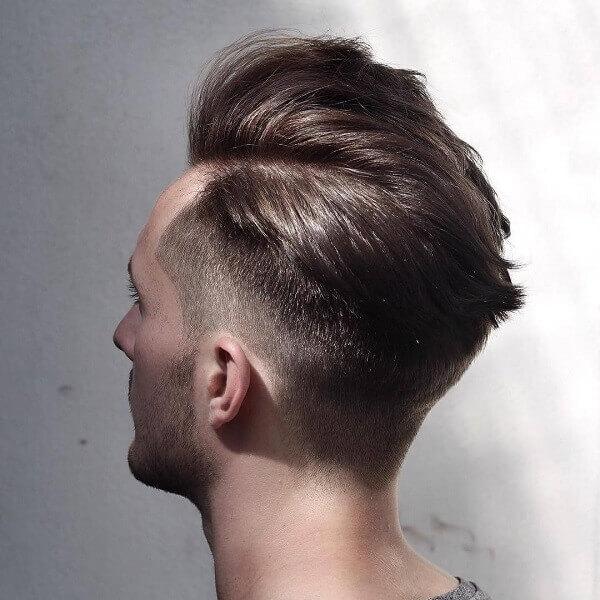 Kiểu tóc Side Part – Cuốn sách đang đọc dở