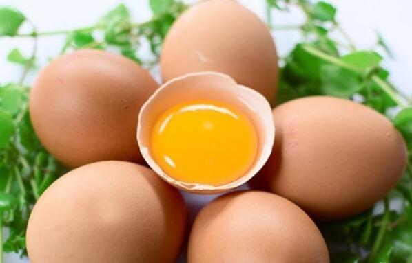 Cách làm trắng da toàn thân bằng vitamin B1 và trứng gà