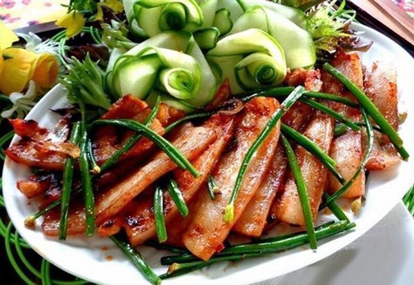 Cách chế biến món thịt ba chỉ nướng hẹ