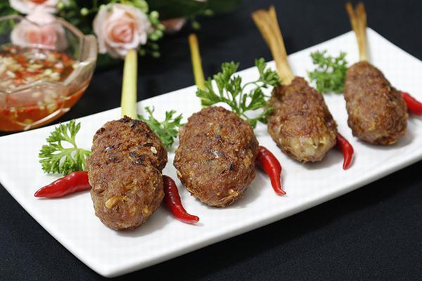 Thịt ba chỉ bọc sả chiên giòn thơm ngon, quyến rũ