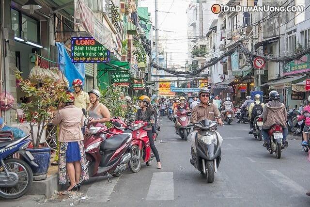 Bánh tráng trộn Chú Viên 38 Nguyễn Thượng Hiền, phường 5, quận 3