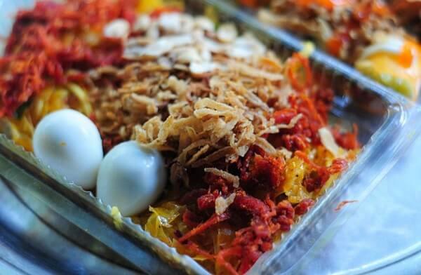 Bánh tráng trộn Sài Gòn – Nguyễn Siêu