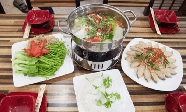 Cách nấu lẩu đầu cá hồi nấu măng