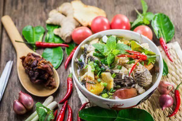 Cách nấu canh chua cá lóc ngọt mát, dễ nghiền