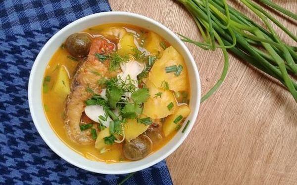 Cách làm món canh cá trắm nấu chua đơn giản