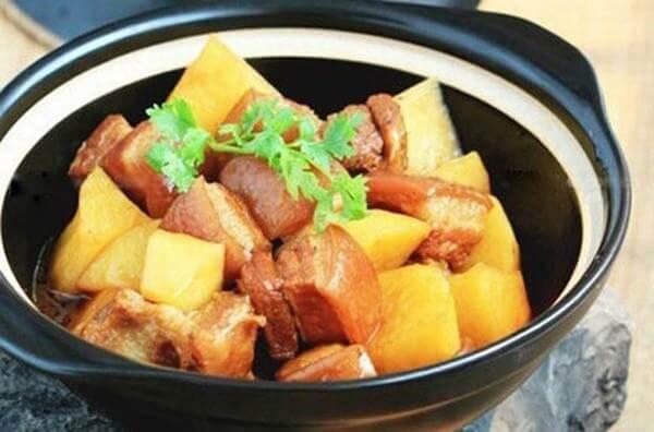 Cách nấu thịt ba chỉ kho khoai tây
