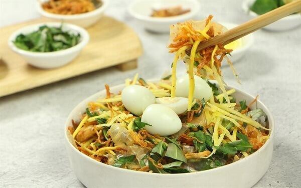 Bánh tráng trộn - Món ăn vặt phổ biến và hot tại Sài Gòn, Việt Nam