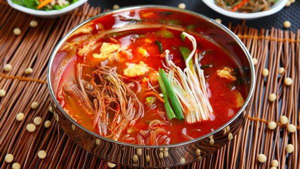 Món mì cay Hàn Quốc kim chi hải sản sau khi đã hoàn thành