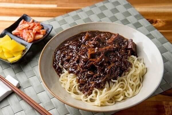 Cách làm mì tương đen Hàn Quốc thơm ngon tại nhà