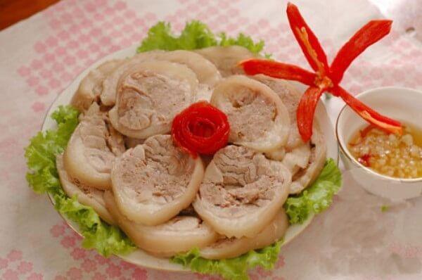 Chân Giò Lợn bó luộc cực ngon khi ăn cùng nước chấm