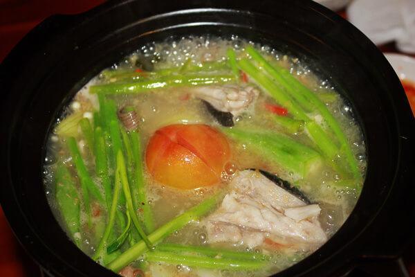 Cách làm lẩu cá đuối nấu mẻ đơn giản