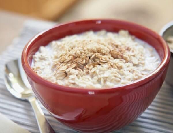 Cách nấu cháo yến mạch sữa tươi cho trẻ tăng cân