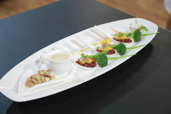 Cách trang trí đĩa thức ăn đẹp mắt ngày Tết truyền thống