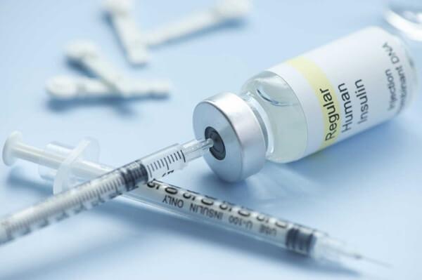Hormone Insulin (Công thức hóa học: C257H383N65O77S6; Trọng lượng phân tử: 5801)