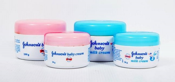 Kem dưỡng ẩm da mặt Johnson Baby