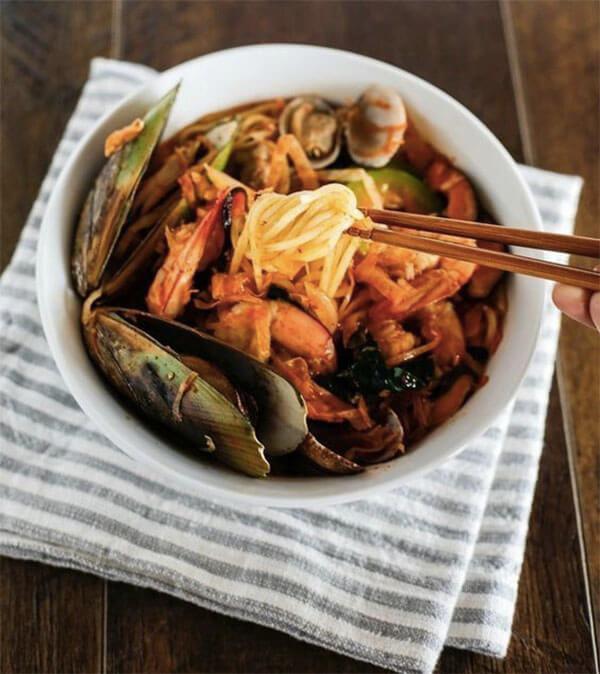 6 cách nấu mì cay Hàn Quốc 7 cấp độ, tự làm mì cay Hàn Quốc hải sản thập cẩm đơn giản tại nhà