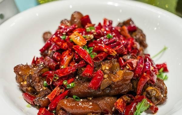 Cách làm món sườn heo rim sả ớt