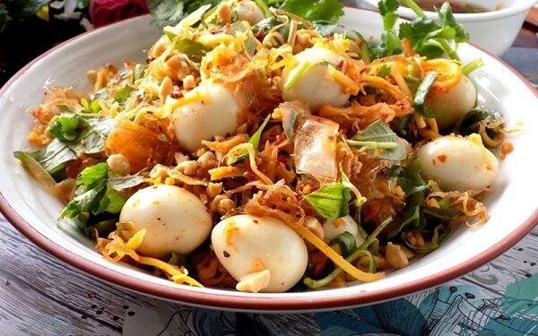 Bánh tráng trộn - Món ăn vặt đặc sắc của Sài Gòn