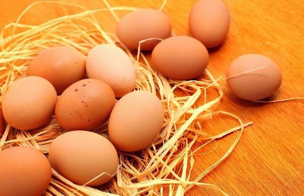 Người dị ứng trứng gà thường dị ứng với trứng vịt, trứng ngan...