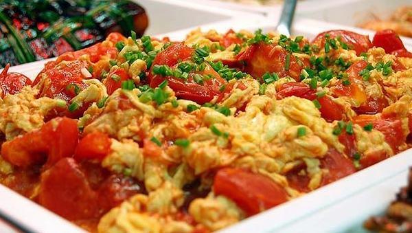 Cách làm món trứng chiên sốt cà chua đơn giản ngon cơm
