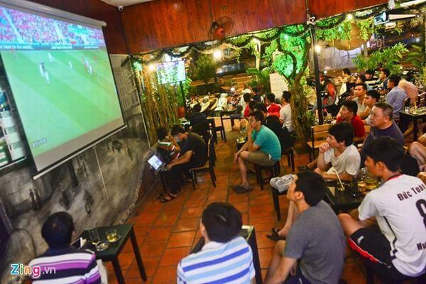 """Những con đường, quán nhậu """"cháy cùng"""" World Cup giữa Sài Gòn"""