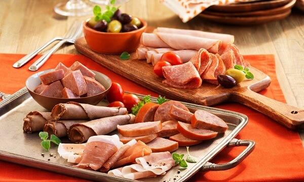 Hạn chế các thực phẩm chứa chất béo bão hòa, nhiều cholesterol