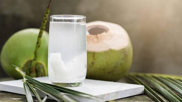 Nước dừa là loại nước giàu kali