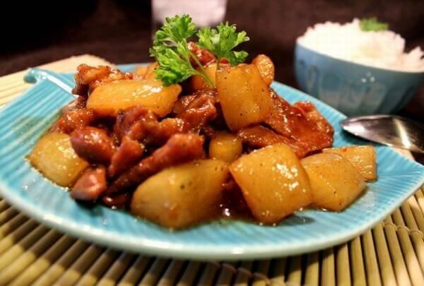 Món ăn có màu sắc vô cùng bắt mắt sau khi hoàn thành - Cách nấu món thịt bò kho củ cải trắng ngon và đơn giản nhất