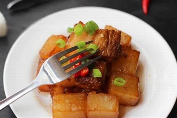 Cách nấu bò kho củ cải trắng ngon và đơn giản nhất