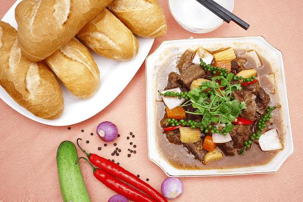 Cách làm bắp bò nấu tiêu xanh pate gan nước dừa ăn bánh mì công thức chuẩn vị