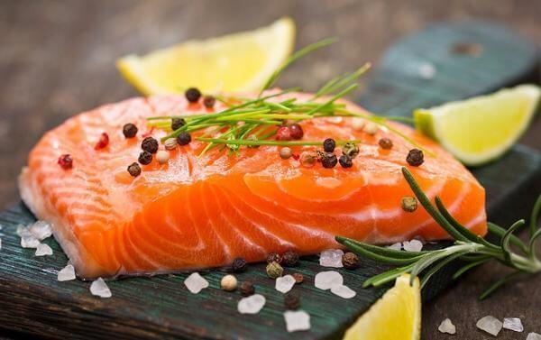 Cá hồi + cá mòi - thực phẩm bổ sung kẽm
