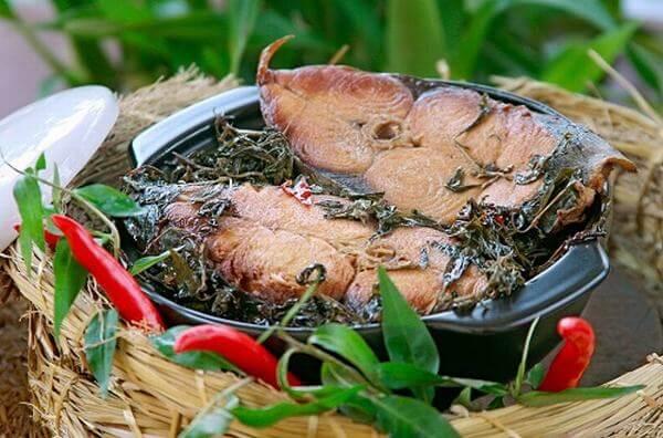 Cách làm món cá thu kho rau răm ngon cơm