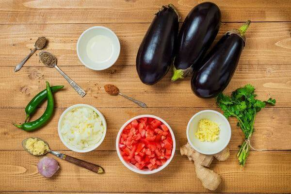 Các món ăn ngon từ cà tím, cà tím nấu gì ngon nhất, cà tím xào trứng, thịt, cà tím om thịt ba chỉ.
