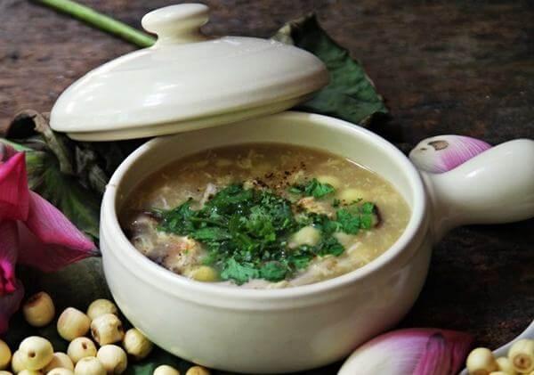 Cách nấu súp hạt sen đơn giản cho trẻ