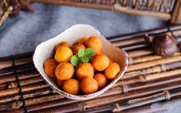 Bánh khoai lang Nhật chiên viên hấp dẫn cho bé