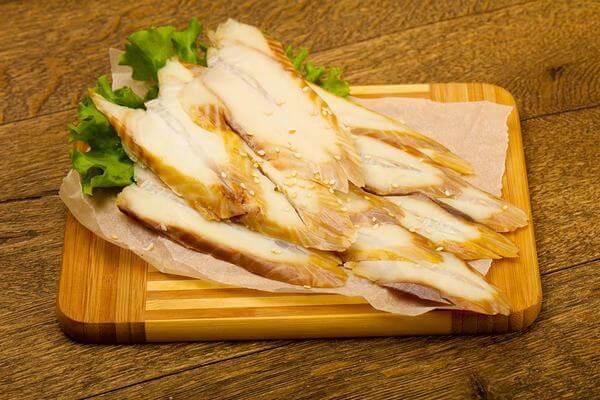 Muốn bé dặm ăn đúng cách và tiêu hóa tốt thì mẹ nên nấu chín lươn trước khi ăn