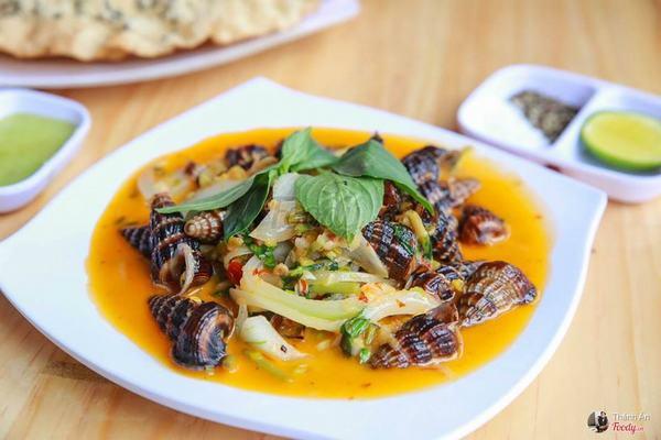 Món ngon từ ốc bươu: Ốc bươu xào cà ri