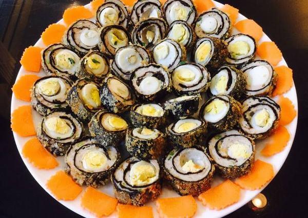 Trứng cút cuộn rong biển đơn giản ngon tuyệt