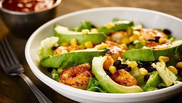Cách chế biến Salad bơ tôm Mexico