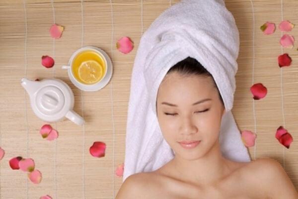 Ủ tóc trong 20 phút - Cách dùng dầu dừa dưỡng tóc, cách ủ tóc bằng dầu dừa