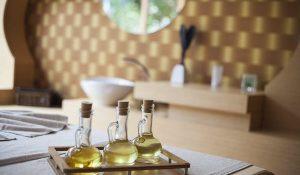 2 cách dùng dầu dừa dưỡng tóc như thế nào cho tóc nhanh dài, dầu dừa dưỡng tóc có tốt không?