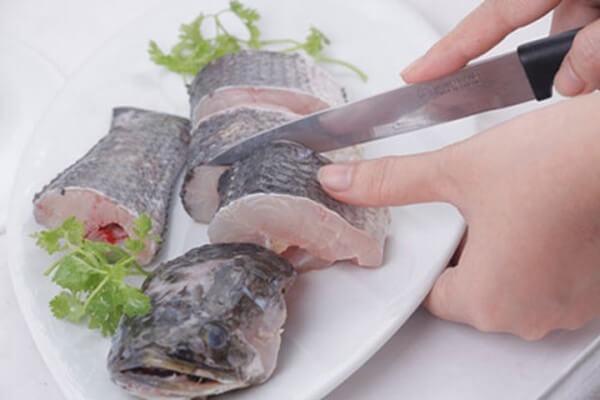 Cá lóc: 1 con khoảng 700 gram