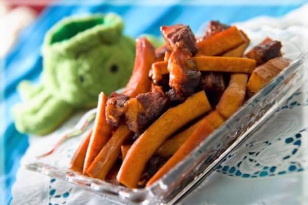Thịt kho dừa đơn giản mà ngon đáo để.