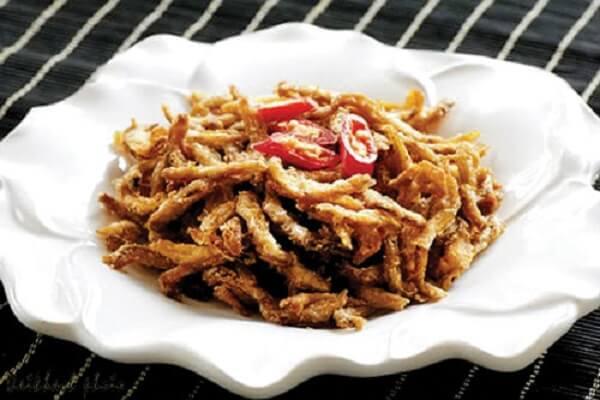 Thưởng thức món ăn đặc biệt này với sợi chuối day dai