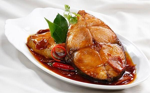 Cách làm cá kho nước mắm với riềng ngon (cá trắm hoặc cá trôi) ai ăn cũng tấm tắc khen ngon