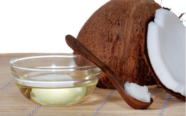 50 tác dụng tuyệt vời của dầu dừa dưỡng da mặt, dưỡng tóc trị mụn, làm đẹp